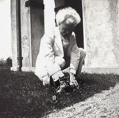 """Mark Twain -  Amerykański pisarz pochodzenia szkockiego, satyryk, humorysta, wolnomularz. Do jego najbardziej znanych powieści należą Przygody Tomka Sawyera (1876), oraz Przygody Hucka (1884). Pisarz William Faulkner nazwał Twaina """"ojcem amerykańskiej literatury. http://www.kotysos.org/daj-procenta-na-kocieta/"""