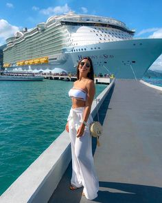 Amazing Relaxing Summer Fashion Ideas For This Year You Need To Know Summer Cruise Outfits, Tropical Vacation Outfits, Cruise Vacation, Komplette Outfits, Fashion Outfits, Fashion Ideas, Bikini Outfits, Outfit Strand, Cruise Pictures