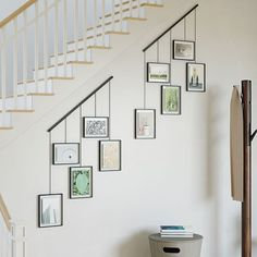 Hanging Picture Frames, Picture Frame Sets, Hanging Pictures, Modern Picture Frames, Picture Placement On Wall, White Photo Frames, Porte Photo Mural, Cadre Photo Mural, Wall Frame Set