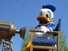 Donald Duck Day : Welcome To The Weekend Blog Hop.. #bloghop #weekend #fun #linkup