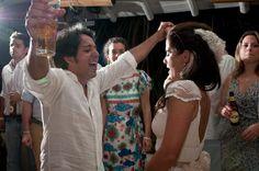 HOLLYWOOD GLAMOUR DRESS + HAIRPIECE + SILK FLOWERS BELT from A MODISTA / Paula and Alysson mini-wedding • Quadrado • Trancoso • Bahia • Brazil  / photos: Silvia Zamboni and Tati Nolla / www.mariasfotografia.com.br / complete wedding: www.facebook.com/media/set/?set=a.10150406758053422.37053...