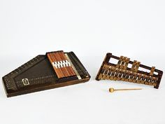 30: Lot including Antique Xylophone and Dulcimer Xyloph : Lot 30