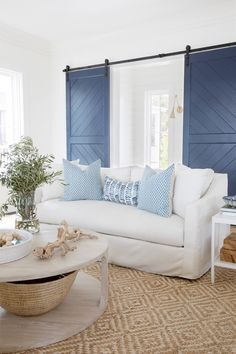 Megan Molten is a luxury interior designer in Charleston, SC specializing in residential, commercial, and virtual spaces. Check out our portfolio! Beach Living Room, Coastal Living Rooms, Home Living Room, Living Room Decor, Coastal Cottage, Coastal Homes, Coastal Farmhouse, Farmhouse Chic, Coastal Decor