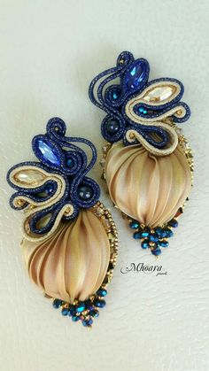 Mhoara Jewels Ribbon Jewelry, Bead Embroidery Jewelry, Beaded Embroidery, Jewelry Crafts, Beaded Jewelry, Shibori, Zipper Crafts, Soutache Earrings, Jewelery