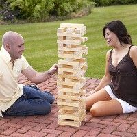 You remember the game Jenga right? This wooden garden set towers an epic 120 cm tall! Garden Games, Backyard Games, Backyard Landscaping, Online Gift Store, Online Gifts, Outdoor Jenga, Funky Gifts, Giant Jenga