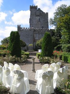 Outdoor ceremony at #Knappoghe Castle