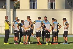 BotafogoDePrimeira: Mancini faz treino coletivo e mantém Rogério e Luc...