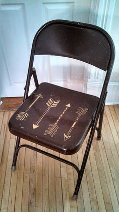 Nice Painted Folding Chair With Gold Paint Pen