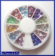 STRASS CRISTAL 3D ONGLES - Nail art - COEURS - 3x3mm - Multicolore