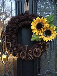 burlap wreath Burlap Crafts, Burlap Wreaths, Fall Wreaths, Deco Mesh Wreaths, Wreath Crafts, Diy Wreath, Diy Crafts, Wreaths For Front Door, Door Wreaths