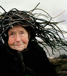 """Playful Seniors Wear Organic Materials to Personify Nature """"Eyes as Big as Plates"""" is a whimsical series by Finnish photographer Riitta Ikonen and Norwegian photographer Karoline Hjorth Wise Women, Old Women, Top Photos, Pictures, Portraits, Photo Series, People Of The World, Interesting Faces, Ikon"""