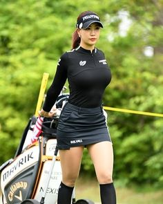 Tennis Outfits, Tennis Clothes, Golf Outfit, Sexy Golf, Girls Golf, Ladies Golf, Golf Fashion, Sport Fashion, Sexy Asian Girls