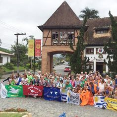 Grupos de adultos mayores concurrieron a  Camboriú y ahora encaran un encuentro internacional en octubre.