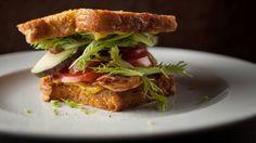 Recettes - Signé M - TVA - Sandwich « PBLT » (poulet-bacon-laitue-tomate)