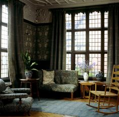 The Billiard Room at Wightwick - English Arts and Crafts interior - Morris & Co wallpaper and upholstery fabric. Arts And Crafts Interiors, Arts And Crafts House, Home Crafts, William Morris, Decoration, Art Decor, Home Decor, Style Tudor, Inglenook Fireplace