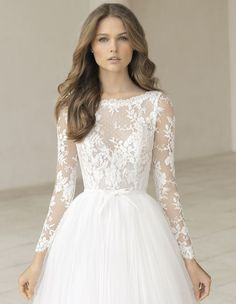 PICARO wedding dress by Rosa Clará is giving us major princess vibes – How's this for dreamy? PICARO wedding dress by Rosa Clará is giving us major princess vibes – Rosa Clara Rosa Clara Wedding Dresses, Lace Wedding Dress, Fall Wedding Dresses, Long Sleeve Wedding, Princess Wedding Dresses, Wedding Gowns, Bride Dresses, Wedding Dress Long Train, Lace Dresses