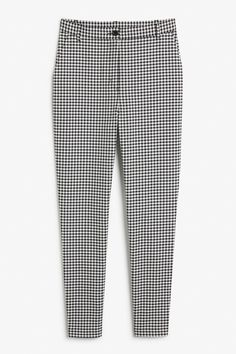 <p>These dogtooth pattern trousers are perfect for when you wanna look boss babe chic. Slant pockets in front and faux pockets in the back.</p><p>In a size