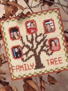 Plastic Canvas - Home Decor - Frames - Family Tree Frame - Family Tree Picture Frames, Canvas Picture Frames, Canvas Frame, Plastic Canvas Ornaments, Plastic Canvas Crafts, Plastic Canvas Patterns, Pc Photo, Diy And Crafts, Arts And Crafts