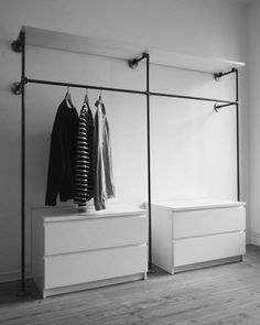 25 Inspiring Industrial Pipe Closet Designs You Can Make Yourself - Page 17 of 26 Regal Industrial, Industrial Closet, Industrial Pipe, Industrial Design, Industrial Style, Closet Redo, Room Closet, Open Wardrobe, Wardrobe Rack
