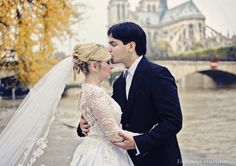 Ensaio em Paris   Alanna e Felipe Mais uma linda foto do ensaio da Alanna com o Felipe, em Paris!  #ensaio #esession #trashthedress #noivos #luademel #paris #fotosemparis #noivinhasdeluxo #fabianamaruno #luxo