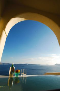 La Dolce Vita: Jet Set: Mystique in Oia Santorini, Greece Hotels In Oia Santorini, Oia Santorini Greece, Vacation Places, Dream Vacations, Mystic Hotels, The Wonderful Country, Heavenly Places, Mystique, All Nature