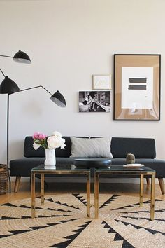 20 New York Designers Share Their Favorite Apartments #refinery29  http://www.refinery29.com/new-york-designer-favorite-apartments#slide-