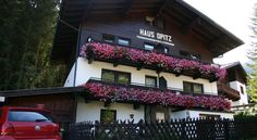 Waldhaus Opitz is located 656 feet below the Schmittenhöhe and Sonnenalmbahn cable cars, about mi from the center of Zell am See. Hotel Apartment, Apartments, Hotel Austria, Zell Am See, Hotels, Hotel Reservations, Free Wifi, Villa, Balcony