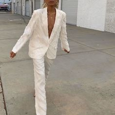 All white outfit Looks Style, Looks Cool, Style Me, Hair Style, Fashion Killa, Look Fashion, Winter Fashion, Classic Fashion, Fashion Styles