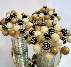 Elegant cake pop bouquets in gold, black, and ivory white. Elegant cake pop bouquets in gold, black, and ivory white. Cake Pop Bouquet, Flower Cake Pops, Champagne Birthday, Gold Birthday Party, Golden Birthday, Black And Gold Birthday Cake, Cake Birthday, Birthday Parties, Birthday Ideas