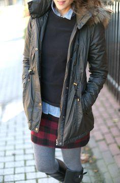 15101d800031 Coated parka + plaid skirt  liveinlayers Vêtements D hiver, Style Hivernal,  Jupes