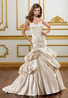Attractive Lace up Satin Sweetheart Fit N Flare Court Train Bridal Gowns - Lunadress.co.uk