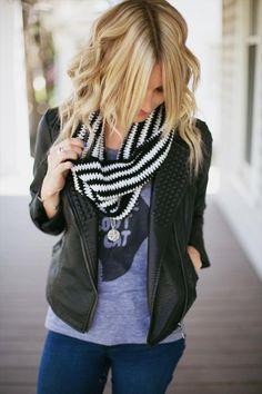 Black and White Crochet Cowl | 101 Crochet