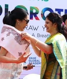 Ms.Usha Mohan Director of TBS with Ms. Vani Ganapathy, Chief Guest for the Colorothon event #preschool #kindergarten #daycare #Bangalore #Whitefield #India #playschool #nursery #colorothon