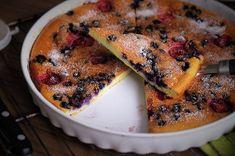Nízkosacharidový jahodovo-borůvkový Clafoutis Sweet Recipes, French Toast, Paleo, Pork, Low Carb, Gluten Free, Yummy Food, Meat, Baking