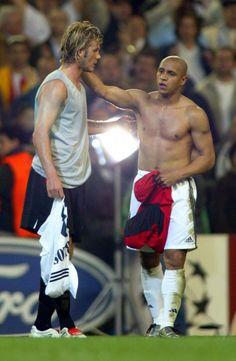 Awesome picture! #davidbeckham and #robertocarlos | #sportfanzine