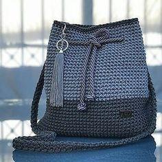 Qual a sua nota de 0 a 10 para esse c - Easy Crochet Blanket, Crochet Tote, Crochet Handbags, Hand Crochet, Crochet Baby, Crochet Bag Tutorials, Diy Crafts Crochet, Crochet Patterns, Crochet Shoulder Bags