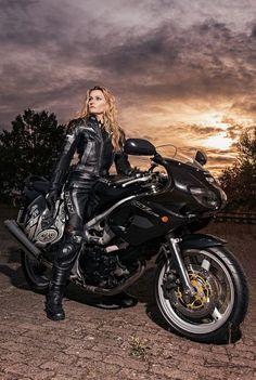 Vrouw & Motor (68)