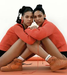 Martine and Gunnhild for vogue paris x nike 💯 Vogue Paris, Air Force 1, Jordan 1, Photography Women, Nike, Black Women, Air Jordans, Couple Photos, People