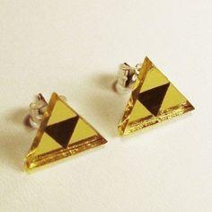 Zelda Triforce earrings. If my ears were pierced..........
