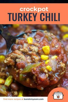 Turkey Chili - packed with lean turkey, loads of veggies, and bursting with flavor!Crockpot Turkey Chili - packed with lean turkey, loads of veggies, and bursting with flavor! Chili Recipes, Slow Cooker Recipes, Crockpot Recipes, Crockpot Veggies, Cooking Recipes, Top Recipes, Unique Recipes, Freeze, Ground Turkey Chili