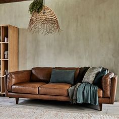 Canapé 3 places fixe en cuir de vachette marron - Brooklyn - canapé droit en cuir - alinea Oh My Home, My Dream Home, Interior Window Shutters, Home Studio, Home Furniture, New Homes, Sweet Home, Lounge, Interior Design