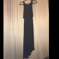 Forever 21 Dress Forever 21 high low and asymmetrical dress in black, size small. Excellent condition, worn once. Throw on a floppy hat and sunnies for a chic summer look. 😎 Forever 21 Dresses High Low