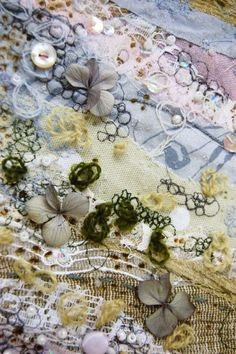 Made By Hand Online - Flourish Textile wall hanging by Emily Notman for madebyhandonline Textile Fiber Art, Textile Artists, Textiles Sketchbook, A Level Textiles, Creative Textiles, Textiles Techniques, A Level Art, Fabric Manipulation, Embroidery Art
