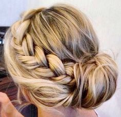 A perfect hairstyle with a perfect haircolour