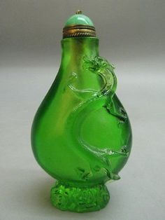 Chinese Peking Glass Carved Dragon Pattern Snuff Bottle