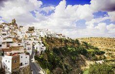 Arcos de la Fromtera, Andalucia.  España es un país precioso y lleno de pueblos con encanto. Skyscanner te descubre los 17 pueblos más bonitos de toda la piel de toro