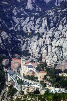 Monestir de Montserrat des d'una avioneta / Monasterio de Montserrat desde una avioneta / Montserrat Monastery from a light aircraft. - Montserrat (Monistrol de Montserrat - Bages - Catalonia - Spain) - Dedicated to janusz l as I know he loves this place. Places Around The World, The Places Youll Go, Places To See, Wonderful Places, Great Places, Beautiful Places, Dream Vacations, Vacation Spots, Montserrat Barcelona