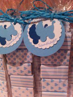paquetitos de chocolatinas decoradas, etiquetas personalizadas,bautizo gemelos