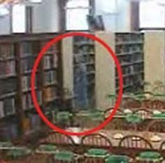 willard library ghost//Willard Library in Evansville, Indiana is reportedly haunted by a spirit known as The Grey Lady. The photo above came from one of the library's four ghost cams. Real Ghost Pictures, Ghost Images, Ghost Pics, Ghost Videos, Scary Places, Haunted Places, Haunted Houses, Paranormal Photos, Paranormal Stories