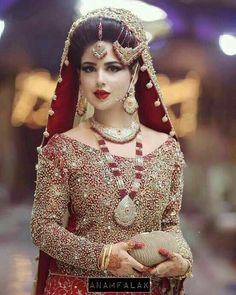 Latest Dulhan Lehenga Designs in this attractive article our latest suit design team . Finally completed my project making this speechless bridal lehenga Pakistani Bridal Makeup, Pakistani Wedding Outfits, Bridal Outfits, Bridal Lehenga, Bengali Makeup, Dulhan Makeup, Pakistani Dresses, Indian Dresses, Indian Bride Poses